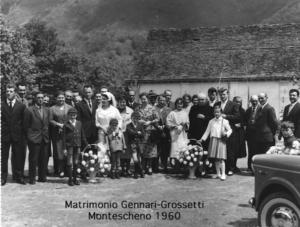 foto di gruppo di un matrimonio