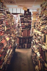 libri ammucchiati