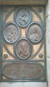 chiesa di ariano irpino: il pannello all'ingresso